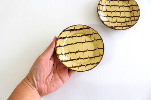 リム丸皿 豆 フェザーコーム クリーム 【B】 陶器 紀窯 画像2