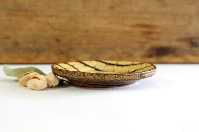 リム丸皿 豆 フェザーコーム クリーム 【B】 陶器 紀窯 画像5