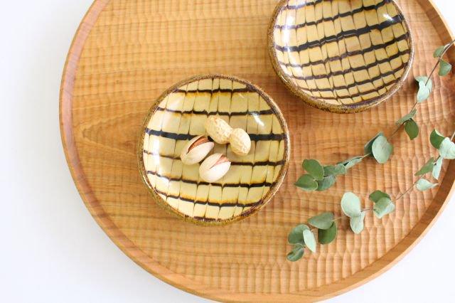 丸皿 豆 フェザーコーム クリーム 【B】 陶器 紀窯 画像4