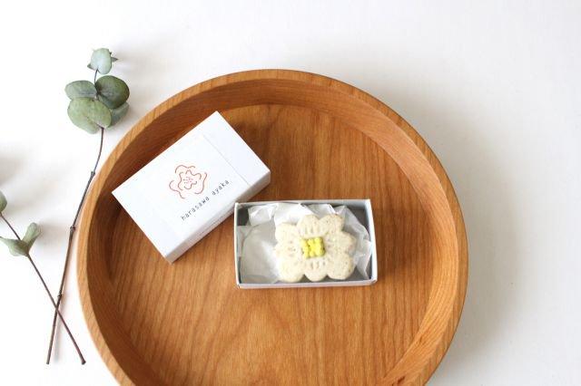 ブローチ ホワイト 陶器 harasawa ayaka 画像5