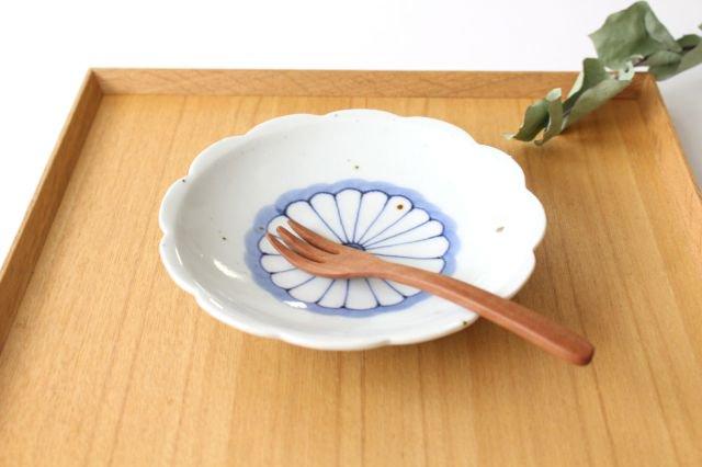 5寸花形型打ち皿 菊紋 磁器 皐月窯 砥部焼 画像2