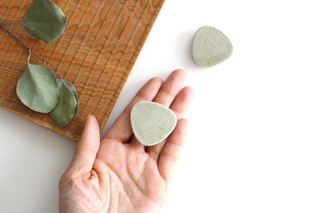 Niigataモチーフ箸置き おにぎり 魚沼緑灰 陶器 青人窯 画像4