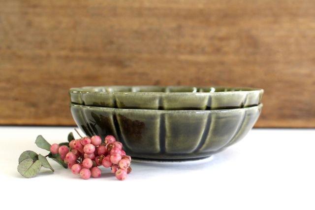 菊割小鉢 オリーブ 磁器 皓洋窯 有田焼 画像4