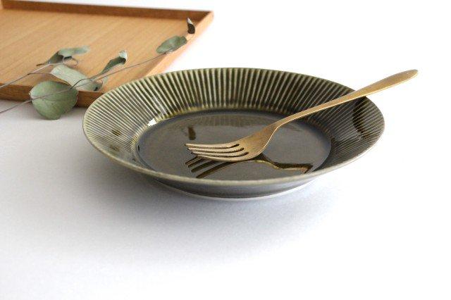 しのぎ7寸皿 オリーブ 磁器 皓洋窯 有田焼 画像4