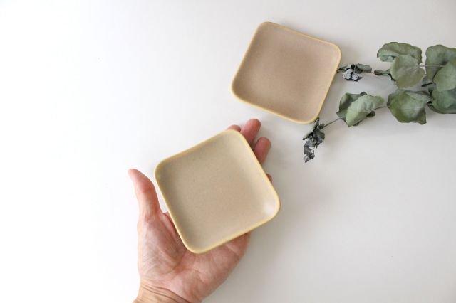 四角小皿 ピンク 陶器 momone