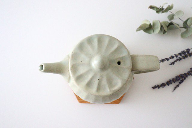 【一点もの】ポット 白 太しのぎ 【C】 陶器 笠原良子 画像3