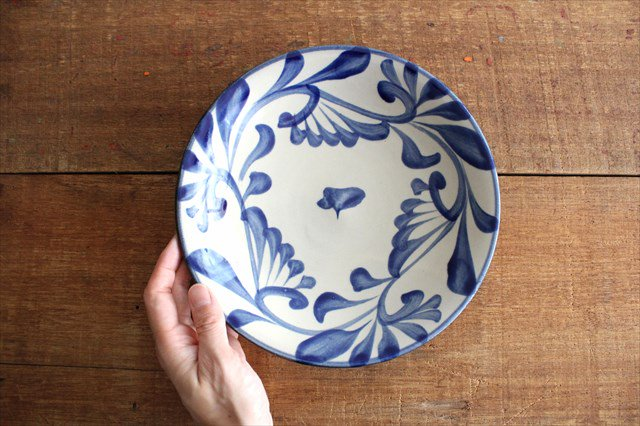 7寸皿 コバルト唐草 陶器 壷屋焼 陶眞窯 やちむん 画像2