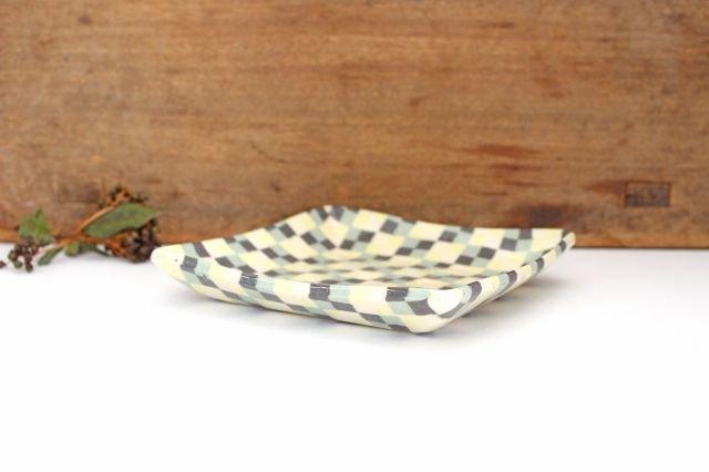 角皿 市松 グリーン 陶器 陶芸工房ももねり。 草なぎ桃江 画像3