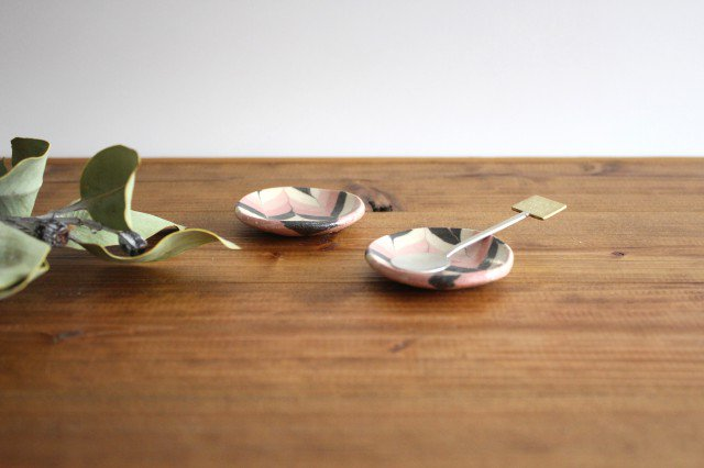 豆々皿 丸 羽根 ピンク 陶器 陶芸工房ももねり。 草なぎ桃江 画像5