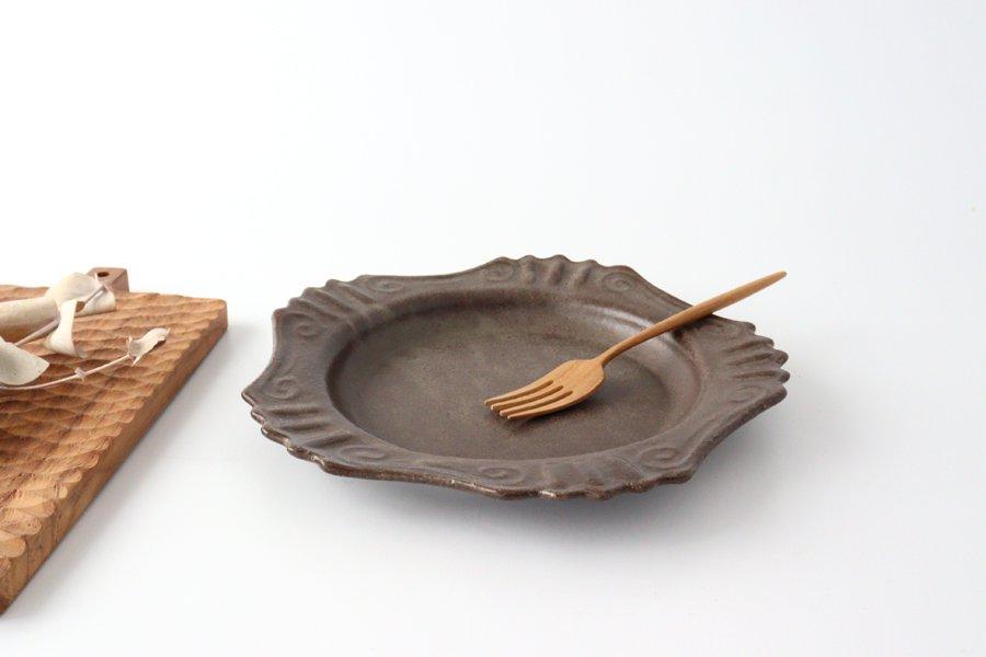 キャラメリゼブラウン 丸ロココ皿 陶器 木のね