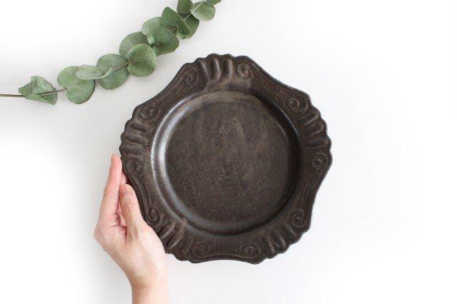 キャラメリゼブラウン 丸ロココ皿 陶器 木のね 画像4