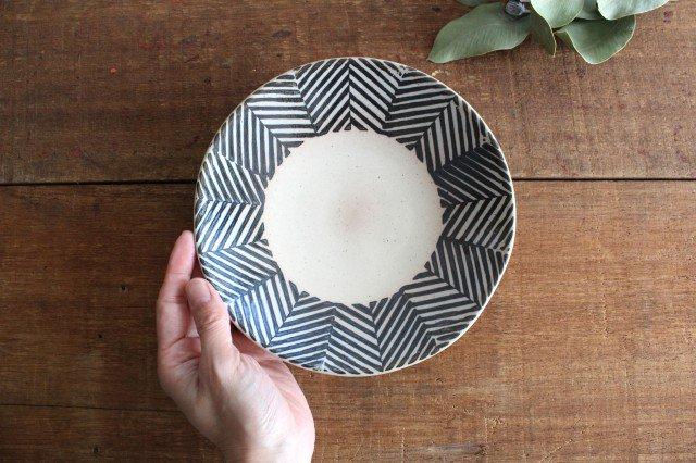 波佐見焼 ORIME ヘリンボーン 6寸丸皿 ブラウン 【B】 陶器  画像4