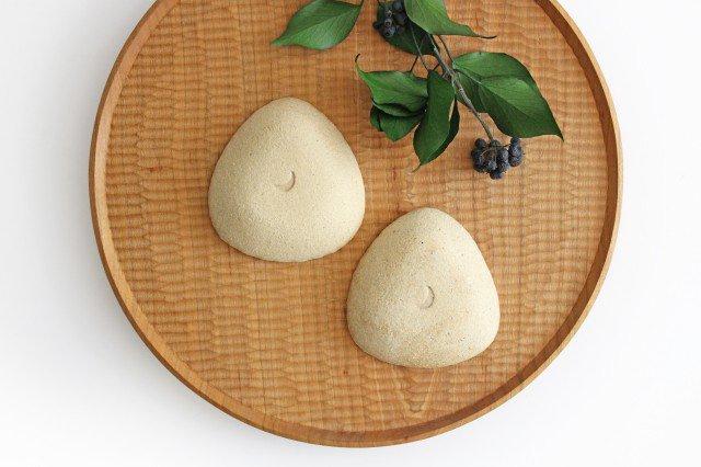 雫の森 三角豆皿 雨上がり 陶器 こむろしずか 画像2