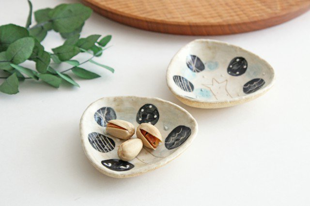 雫の森 三角豆皿 雨上がり 陶器 こむろしずか 画像3