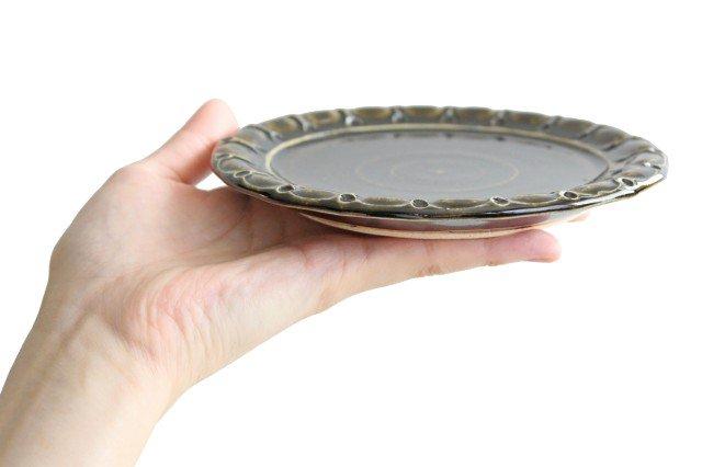 ケーキ皿 丸 オリーブ 陶器 ルリアメ工房 画像4