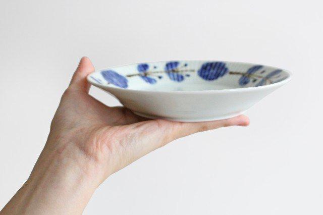 しのぎ5.5寸皿 染付サビ花つなぎ 磁器 皓洋窯 有田焼 画像4