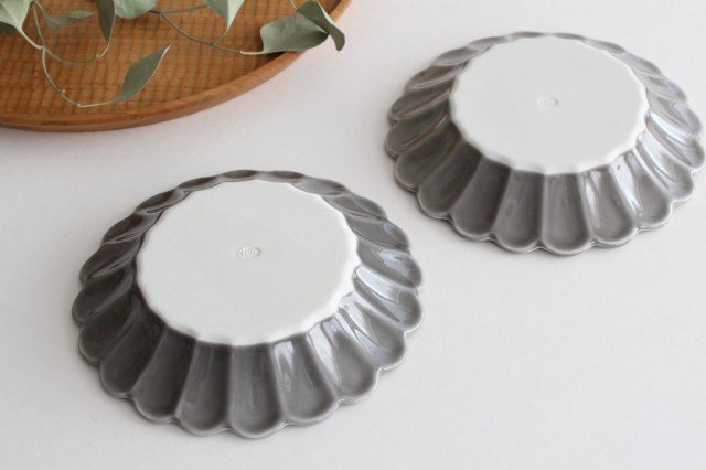 キクワリ 15cm丸皿 グレー 磁器 波佐見焼 画像3