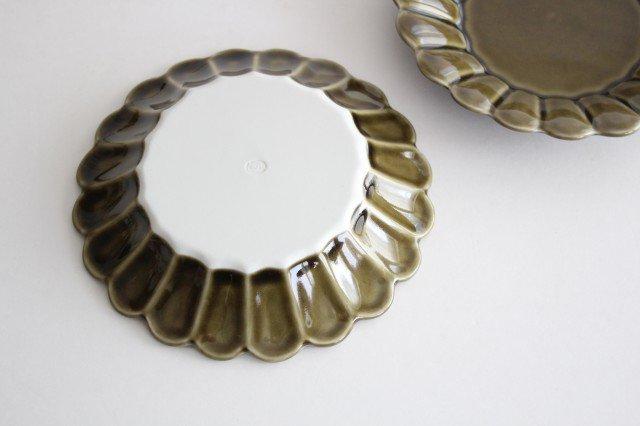 15cm丸皿 カーキ 磁器 キクワリ 波佐見焼 画像5