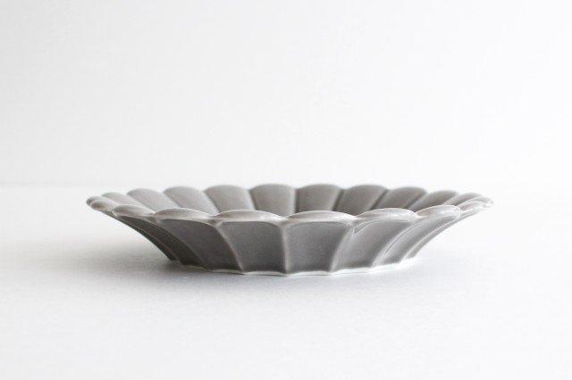 19cm丸皿 グレー 磁器 キクワリ 波佐見焼 画像3
