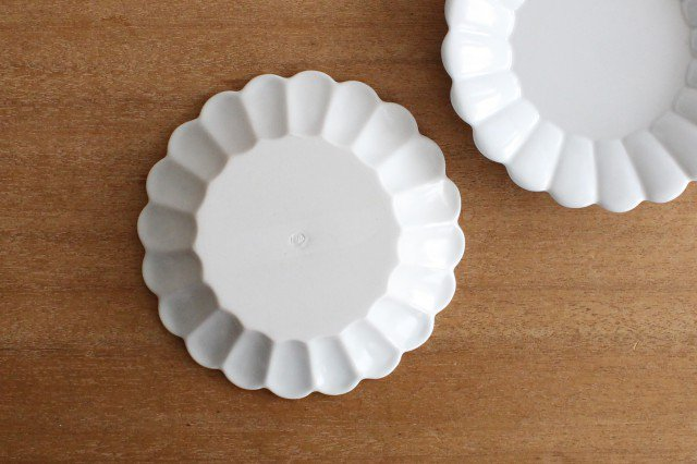19cm丸皿 白 磁器 キクワリ 波佐見焼 画像4