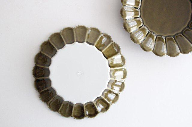 19cm丸皿 カーキ 磁器 キクワリ 波佐見焼 画像3