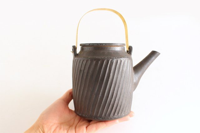 チューカー 大 しのぎ黒 陶器 ツチノヒ やちむん 画像6