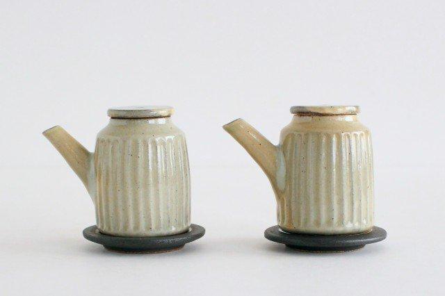 醤油差し しのぎ白 陶器 ツチノヒ やちむん 画像2