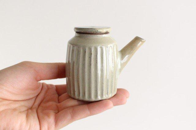 醤油差し しのぎ白 陶器 ツチノヒ やちむん 画像3