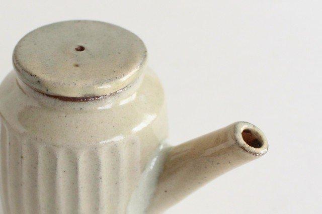 醤油差し しのぎ白 陶器 ツチノヒ やちむん 画像5