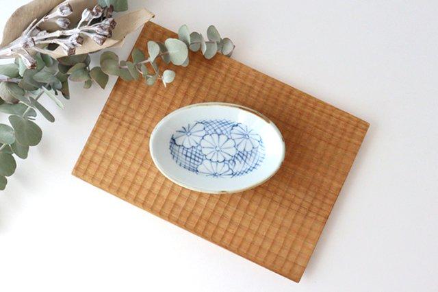 【うちる別注】楕円小鉢 菊紋 磁器 染付 有田焼 画像2