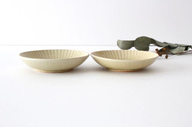 4寸皿 まる菊 灰釉(薄黄色) 陶器 たくまポタリー 画像3