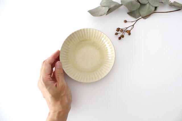 4寸皿 まる菊 灰釉(薄黄色) 陶器 たくまポタリー 画像4