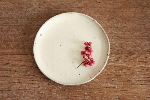 美濃焼 粉引 胡麻せんべい小皿 陶器商品画像