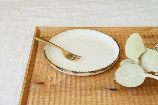丸平皿 M ホワイト 半磁器 アトリエキウト 小出麻紀子