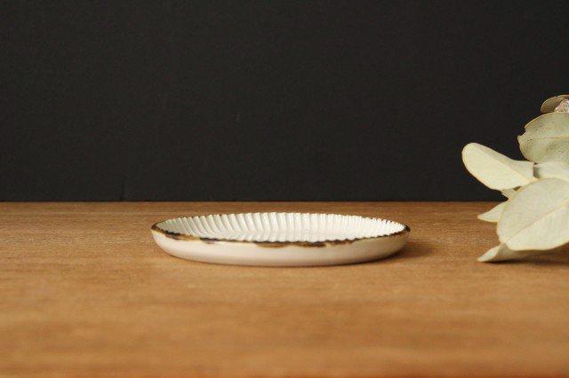 丸平皿 M ホワイト 半磁器 アトリエキウト 小出麻紀子 画像2