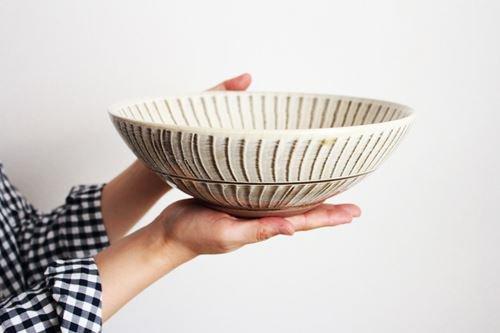 【一点もの】小石原焼 ハケメ大鉢フラシ 陶器 ヤマイチ窯 画像2