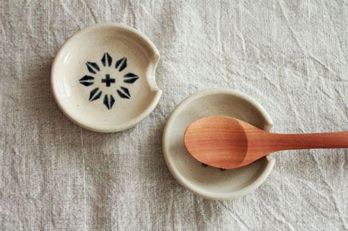 スプーンレスト ホワイト 陶器 東峯未央商品画像