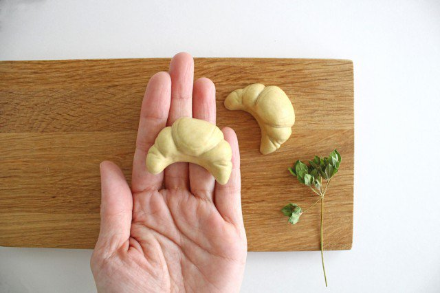 パンのカトラリーレスト クロワッサン 陶器 村田亜希 益子焼 画像2