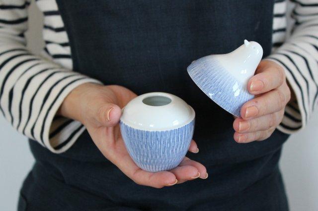 白山陶器 とり型蓋付きようじ立て トビカンナ 磁器 波佐見焼 画像3