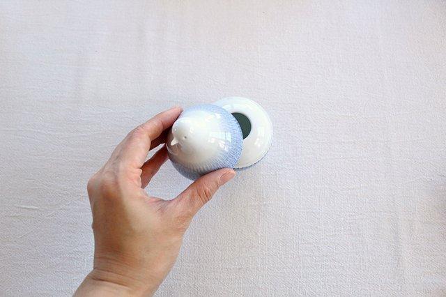 白山陶器 とり型蓋付きようじ立て トビカンナ 磁器 波佐見焼 画像4