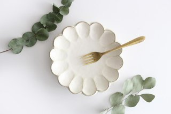 7寸皿 白 磁器 菊花 美濃焼 商品画像