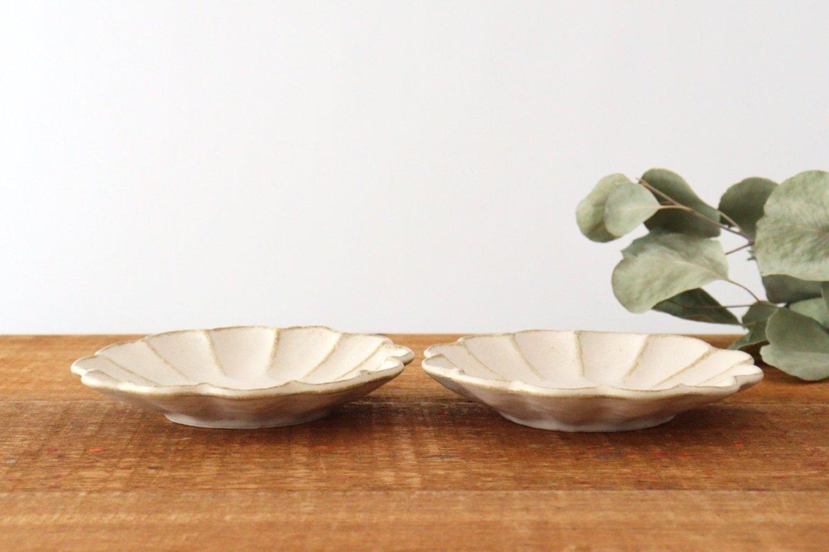 4寸皿 菊花 白 磁器 美濃焼 画像2