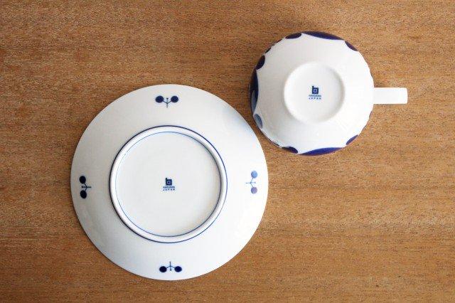 白山陶器 ブルームリース  ティーカップ&ソーサー 磁器 波佐見焼 画像3
