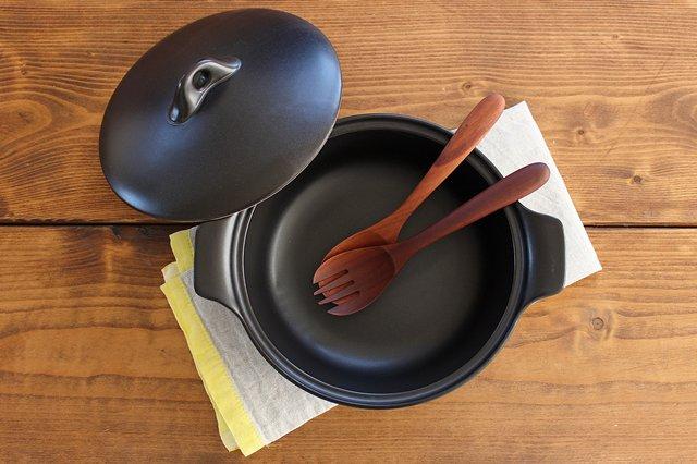 《耐熱陶器》アクアコッタ キャセロール8号 黒 4th-market 画像3