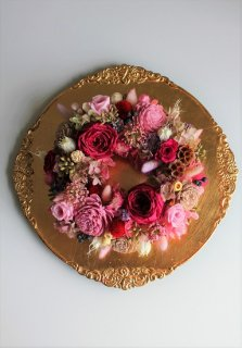 リース型プリザーブドフラワー(エチュード皿/アイアンスタンド付) ピンク 9