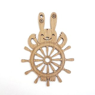 or310 リトアニア EtnoDesignエトノデザイン 木製オーナメント マリンバニー 舵とりウサギ うさぎ