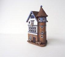 ch007 リトアニア キャンドルハウス 塔がついているおうち