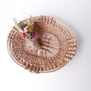 bs006 リトアニアのかご 透かし編みが美しい手編みかご 小ぶりサイズで平たいタイプ