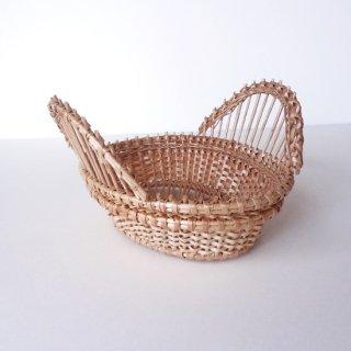 bs007 リトアニアのかご 透かし編みが美しい手編みかご 小ぶりサイズで持ち手の立ち上がりがあるタイプ