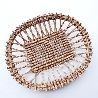 bs008 リトアニアのかご 透かし編みが美しい手編みかご 大きめサイズで平たいタイプ